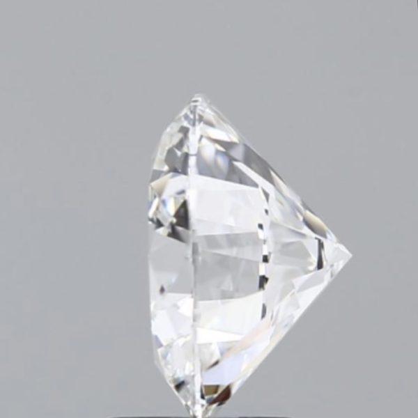 Круглый бриллиант фото сбоку