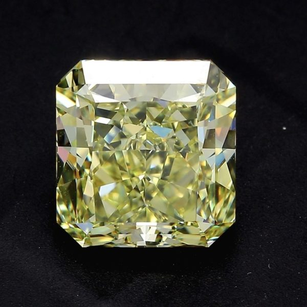 Желтый бриллиант огранки Радиант