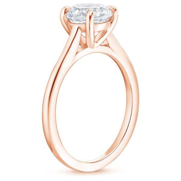 Кольцо с бриллиантом из розового золота