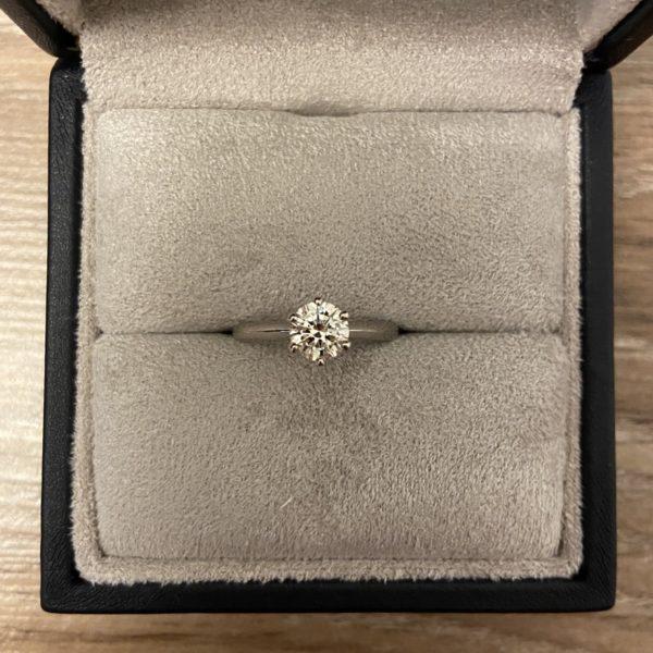 Кольцо с бриллиантом 0.7 белое золото фото