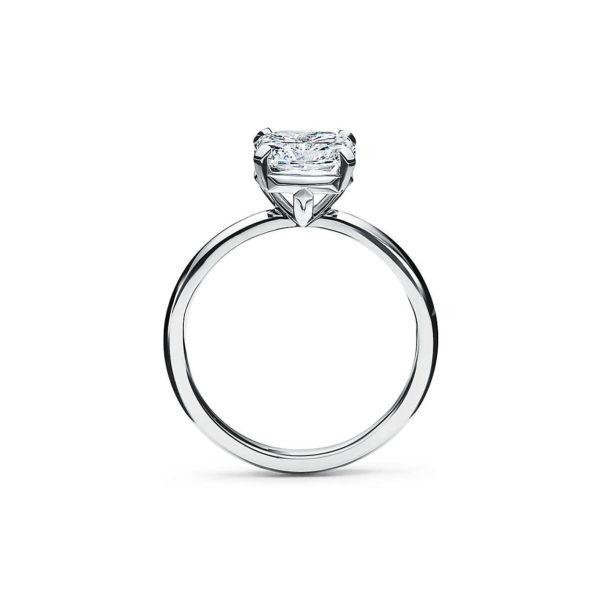 Кольцо с бриллиантом Ашер вид сбоку