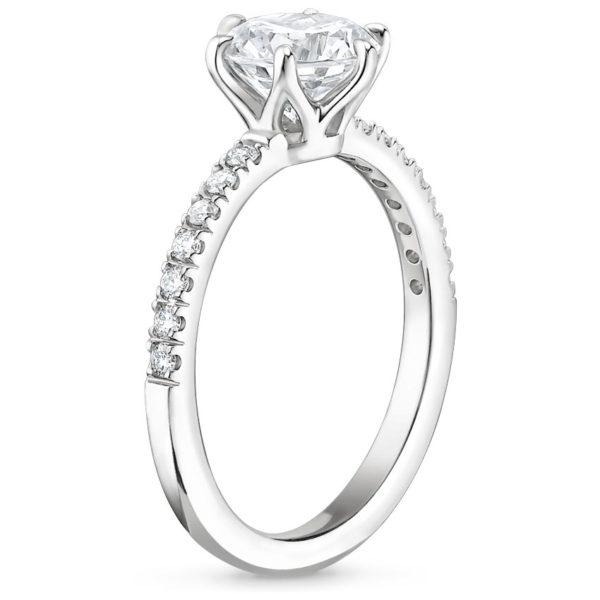 Кольцо с бриллиантом в 6 лапках фото сбоку