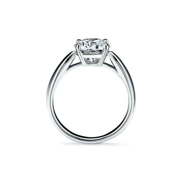 Кольцо с бриллиантом вид сбоку