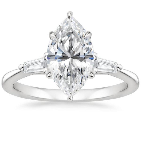 Золотое кольцо с бриллиантом маркиз фото